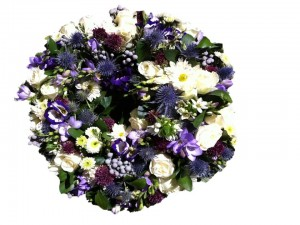 Cream & Lilac Open Wreath