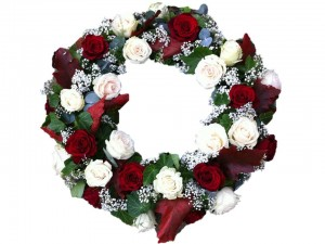 Red & Cream Open Wreath