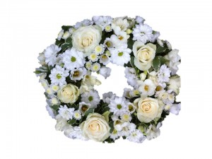 White & Cream Open Wreath